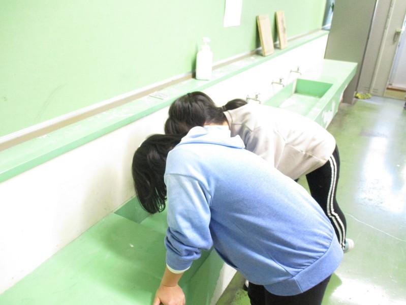 http://sasaoka-es.agano.ed.jp/IMG_0174.JPG